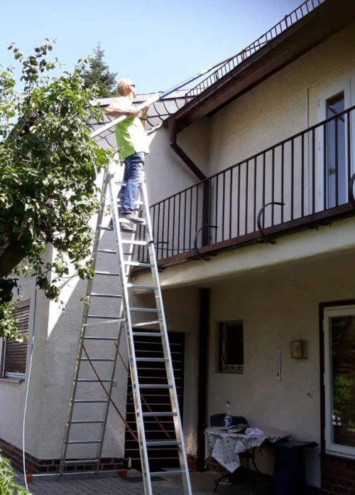Sprühen am Dach